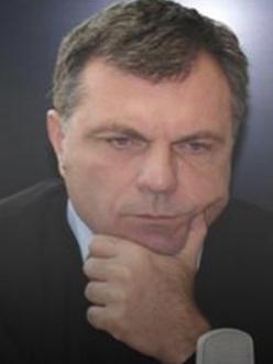 Доц. д-р Момчил Дойчев